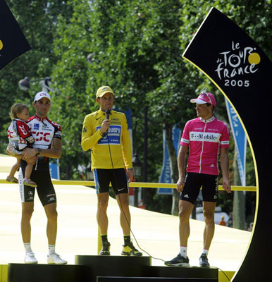 "Foto zu dem Text ""Das Podium der Tour de France in der Ära Armstrong"""
