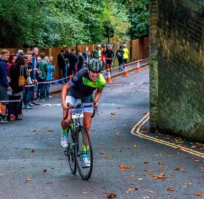 "Foto zu dem Text ""Urban Hill Climb: Berg-Sprint am Friedhof"""