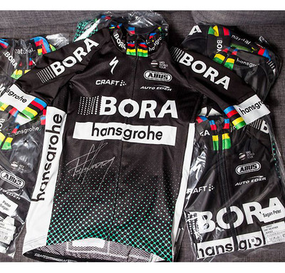 "Foto zu dem Text ""United Charity: Peter Sagan versteigert signiertes Trikot-Set"""