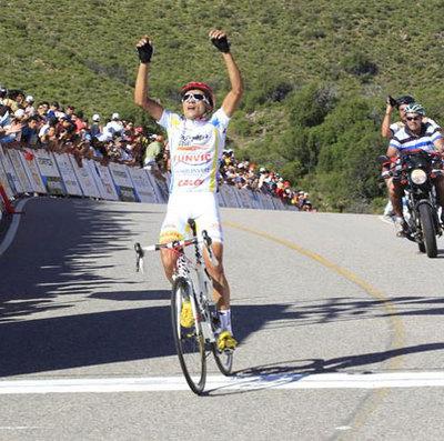 Diniz hängt Contador & Co. ab
