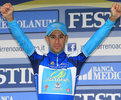 vincenzo nibali hoffen auf regen und k lte radsport. Black Bedroom Furniture Sets. Home Design Ideas