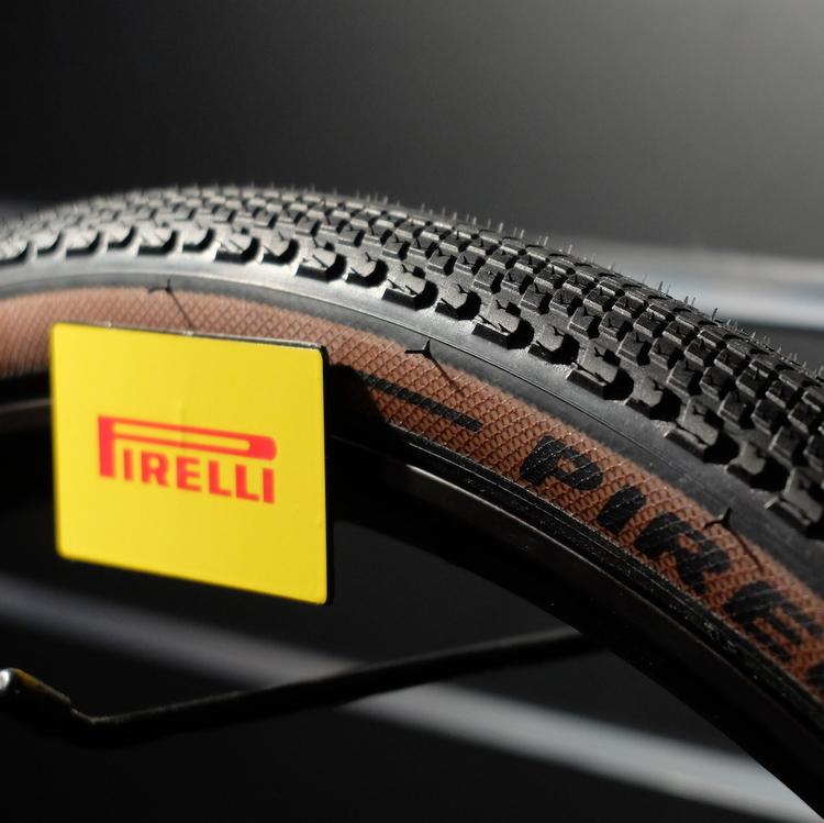 pirelli cinturato neuer pneu f r cross und gravel radsport. Black Bedroom Furniture Sets. Home Design Ideas